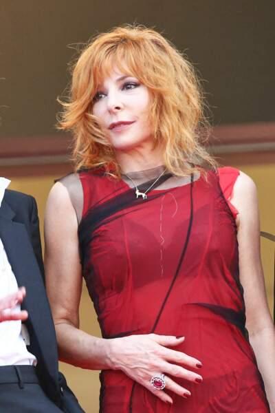 Mylène Farmer lors de la cérémonie d'ouverture du 74ème Festival de Cannes, le 6 juillet 2021