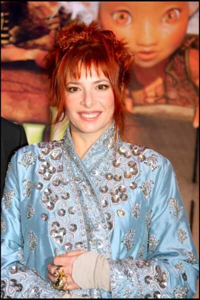 """Mylène Farmer assiste à l'avant-première du film """"Arthur et les Minimoys"""" en 2006"""