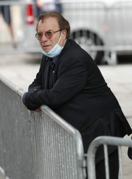 Daniel Russo à son arrivée aux obsèques de Jean-Paul Belmondo, à l'église Saint-Germain-des-Prés, à Paris, le 10 septembre 2021