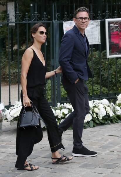 Bérénice Bejo et Michel Hazanavicus à leur arrivée aux obsèques de Jean-Paul Belmondo, à l'église Saint-Germain-des-Prés, à Paris, le 10 septembre 2021