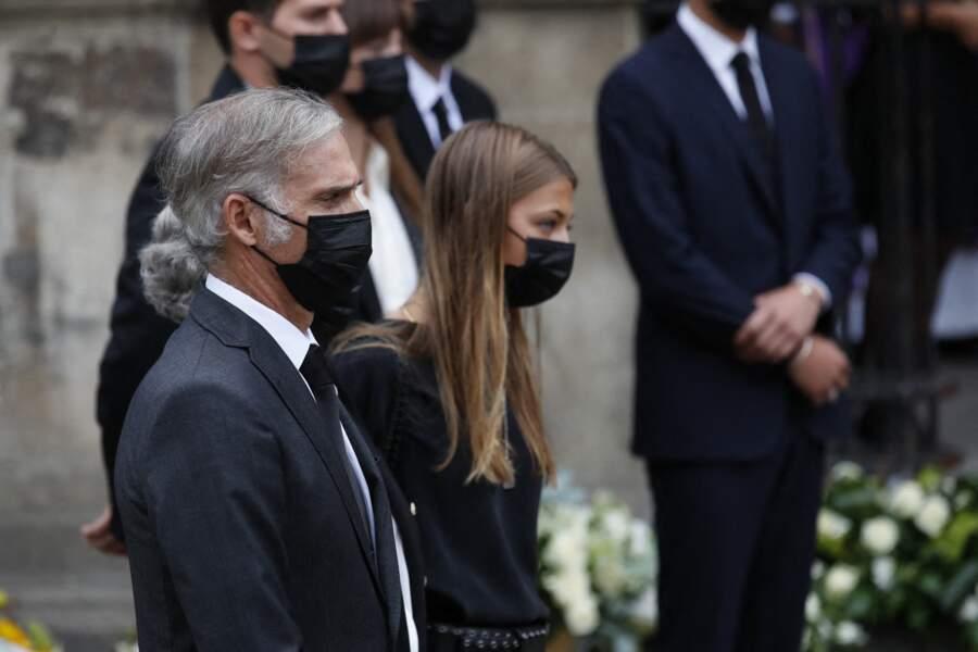 Stella et Paul Belmondo aux obsèques de Jean-Paul Belmondo, à l'église Saint-Germain-des-Prés, à Paris, le 10 septembre 2021