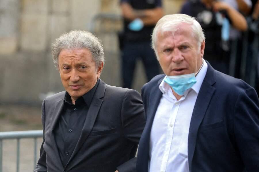 Michel Drucker et Luis Fernandez aux obsèques de Jean-Paul Belmondo, à l'église Saint-Germain-des-Prés, à Paris, le 10 septembre 2021
