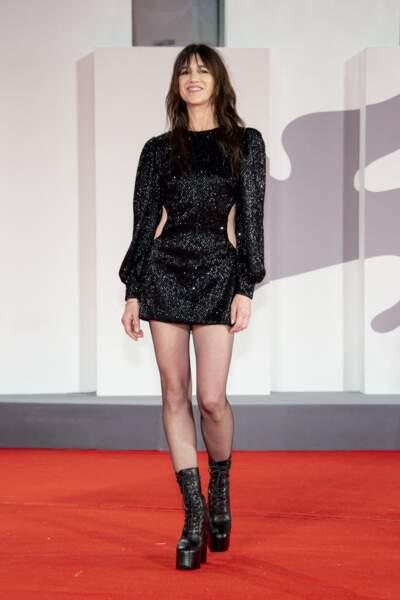 """Charlotte Gainsbourg à la première de """"Les Choses Humaines"""" au 78ème Festival International du Film de Venise (Mostra), le 9 septembre 2021."""