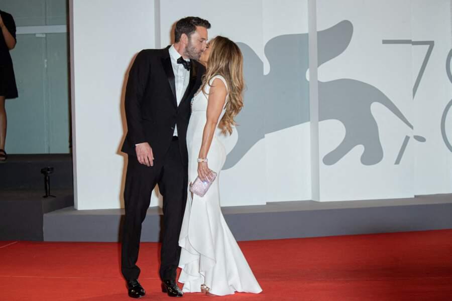 Ben Affleck et Jennifer Lopez ont encore fait sensation lors de la première apparition sur le tapis rouge de la Mostra