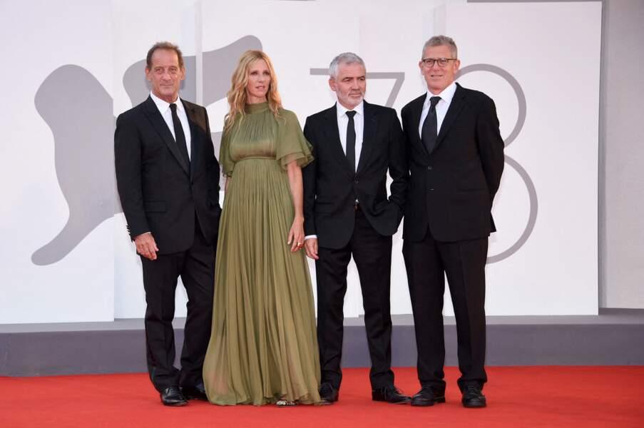 Vincent Lindon, Sandrine Kiberlain, Stéphane Brizé et Philip Boeffard sur le tapis rouge à Venise