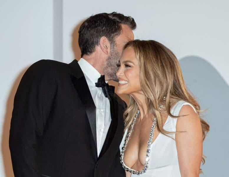 Ben Affleck et Jennifer Lopez très complices sur le tapis rouge, ce 10 septembre