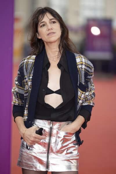 Charlotte Gainsbourg dans sa jupe métallisée lors de la 47éme édition du Festival du Cinéma Américain de Deauville le 10 septembre 2021.