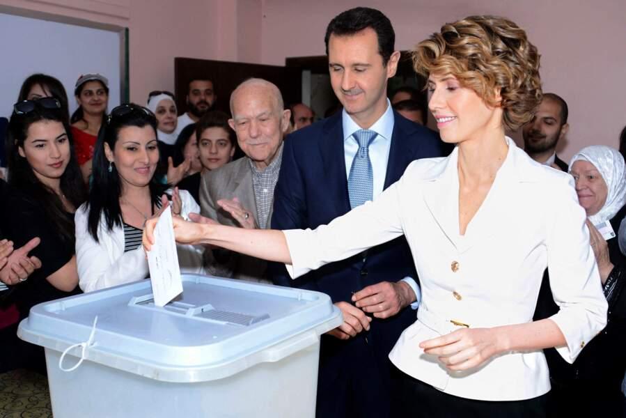 Le couple présidentiel lors des votes