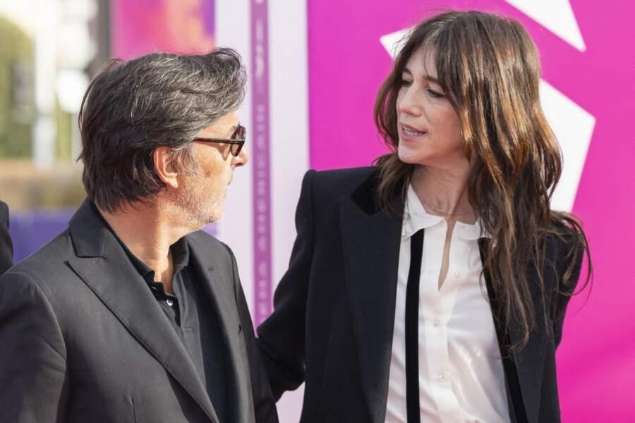 """Yvan Attal et Charlotte Gainsbourg lors de la Première du film """"Les choses humaines"""" à Deauville"""
