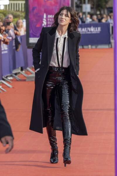 La présidente du Festival de Deauville, Charlotte Gainsbourg, sur le tapis rouge