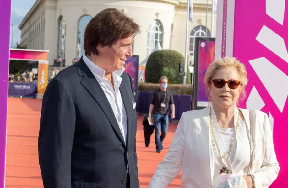 """Sylvie Vartan et Tony Scotti ont assisté à la première de """"Les choses humaines"""" d'Yvan Attal lors du 47e Festival de Deauville, le 11 septembre 2021."""