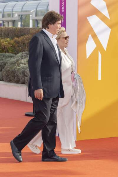 """Sylvie Vartan et Tony Scotti ont participé à la première du film """"Les choses humaines"""" lors du 47e Festival de Deauville, le 11 septembre 2021."""