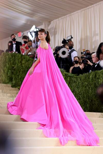 L'actrice britannique Carey Mulligan très élégante en Valentino dans sa robe rose au Met Gala 2021.