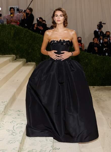 Kaia Gerber dans une robe bustier Oscar de la Renta au Met Gala 2021 à New York.