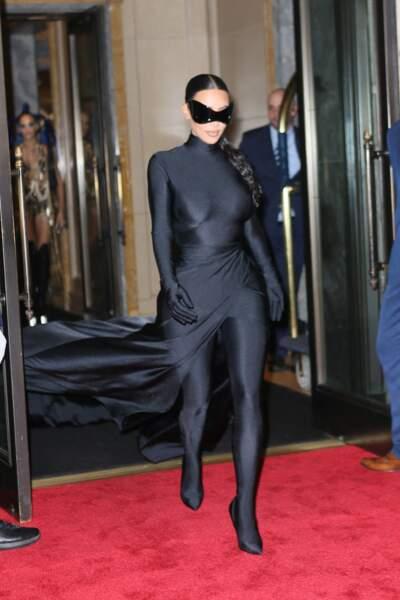 La longue tresse de Kim Kardashian