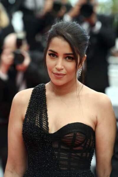Leïla Bekhti en robe Dior Haute couture pour la montée des marches des Intranquilles au Festival de Cannes 2021