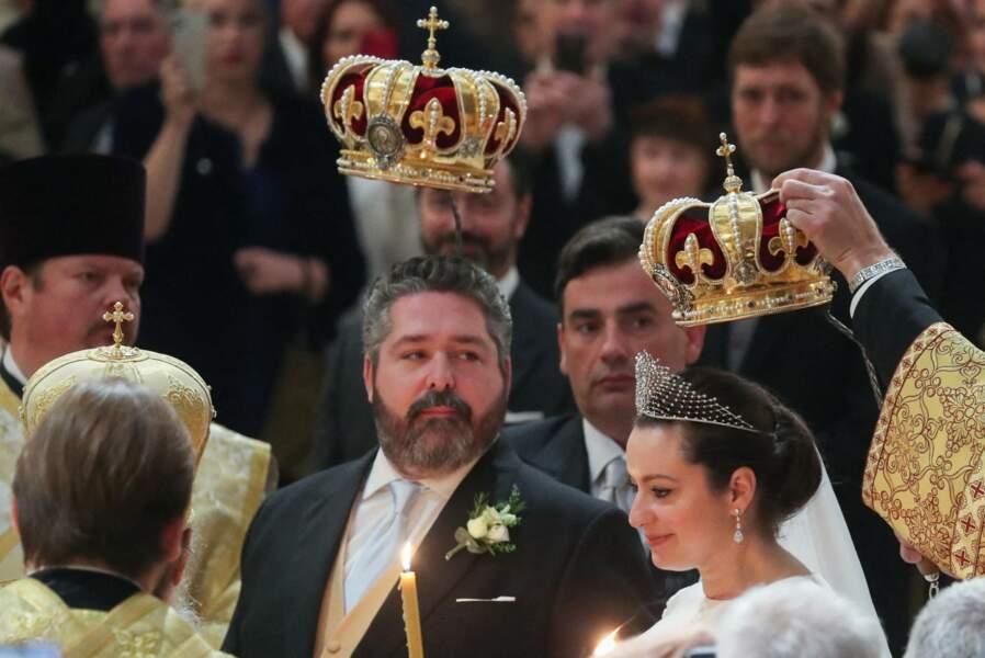 Tout au long de leur mariage, les jeunes époux ont souhaité honorer les traditions de l'ancienne famille impériale, dans la cathédrale St-Isaac à Saint-Petersbourg, le 1er octobre 2021.