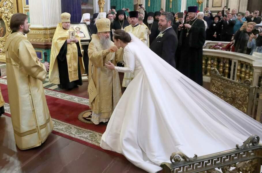 Dans une robe de mariée, imaginée par la styliste libanaise Reem Acra, la jeune femme de 38 ans était tout simplement magnifique, le 1er octobre 2021.