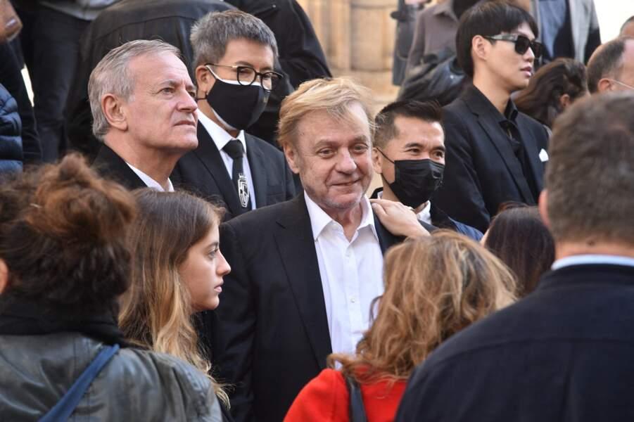 Jacques Spiesser et Francis Huster ont tenu à être présents pour rendre un dernier hommage à François Florent, lors de ses obsèques en l'église Saint-Roch, à Paris, le 4 octobre 2021.