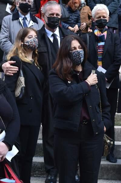 Francis Huster et son ex-compagne Cristiana Reali n'ont pu cacher leur grande tristesse lors des obsèques de François Florent, à l'église Saint-Roch, à Paris, ce 4 octobre 2021.