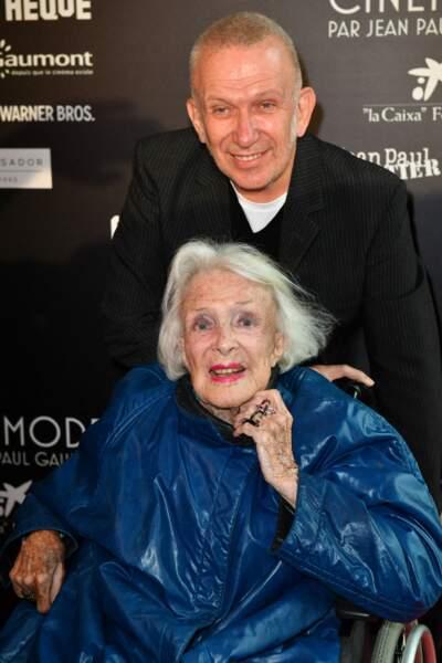 Jean-Paul Gaultier et Micheline Presle lors du vernissage de l'exposition Cinémode à la Cinémathèque