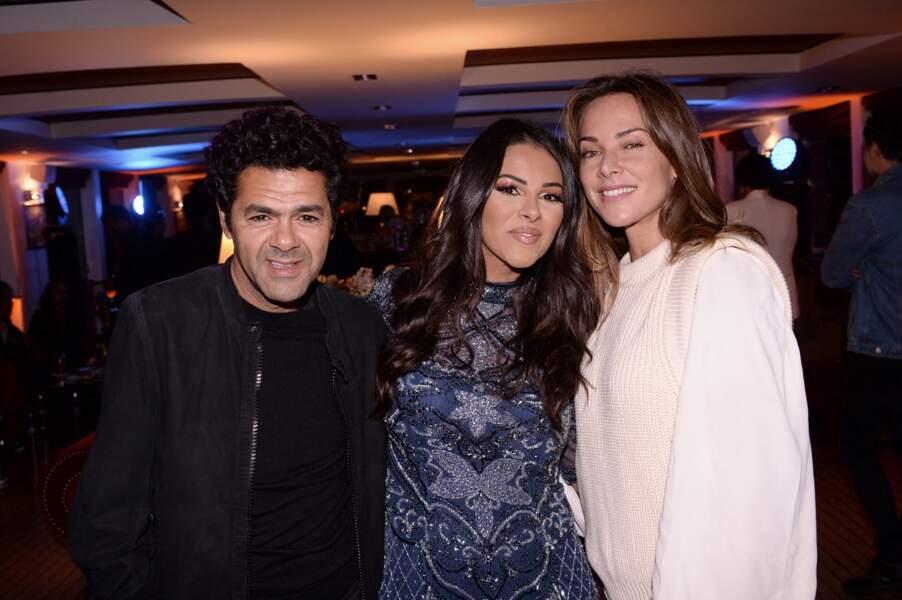 Jamel Debbouze et sa femme Mélissa Theuriau avec Nawell Debouzze, la sœur de l'humoriste, à la soirée d'anniversaire de Fouad Ben Kouider (fiancé de Nawell Debbouze) à Paris, le 2 octobre 2021.