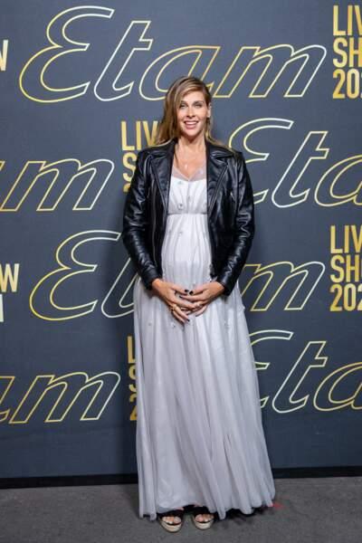 Ophélie Meunier enceinte au défilé Etam Live Show 2021 à l'Opéra Garnier à Paris le 4 octobre 2021.