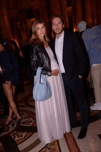 Ophélie Meunier enceinte et glamour avec son mari Mathieu Vergne
