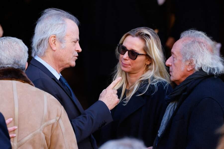 Franz-Olivier Giesbert, Didier Barbelivien et sa femme Laure arrivent à la messe funéraire en hommage à Bernard Tapie en l'église Saint-Germain-des-Prés à Paris, le 6 octobre 2021
