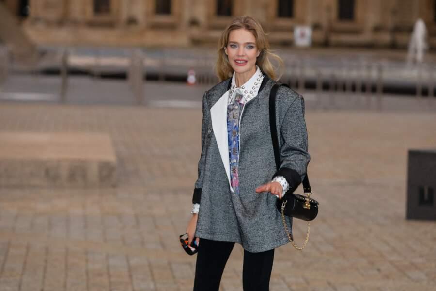 Natalia Vodianova au défilé Louis Vuitton printemps-été 2022