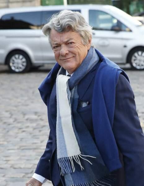 Jean-Louis Borloo arrive à la messe funéraire en hommage à Bernard Tapie en l'église Saint-Germain-des-Prés à Paris, le 6 octobre 2021