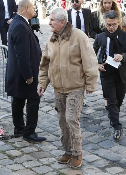 Claude Lelouch arrive à la messe funéraire en hommage à Bernard Tapie en l'église Saint-Germain-des-Prés à Paris, le 6 octobre 2021