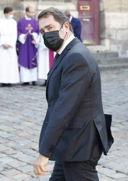 Christophe Castaner arrive à la messe funéraire en hommage à Bernard Tapie en l'église Saint-Germain-des-Prés à Paris, le 6 octobre 2021