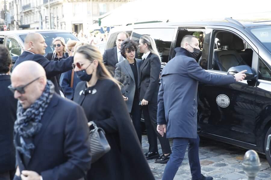 Sophie Tapie et Rachida Dati arrivent à la messe funéraire en hommage à Bernard Tapie en l'église Saint-Germain-des-Prés à Paris, le 6 octobre 2021