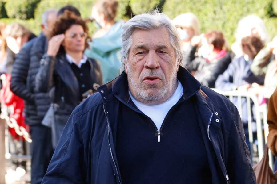 Jean-Pierre Castaldi arrive à la messe funéraire en hommage à Bernard Tapie en l'église Saint-Germain-des-Prés à Paris, le 6 octobre 2021