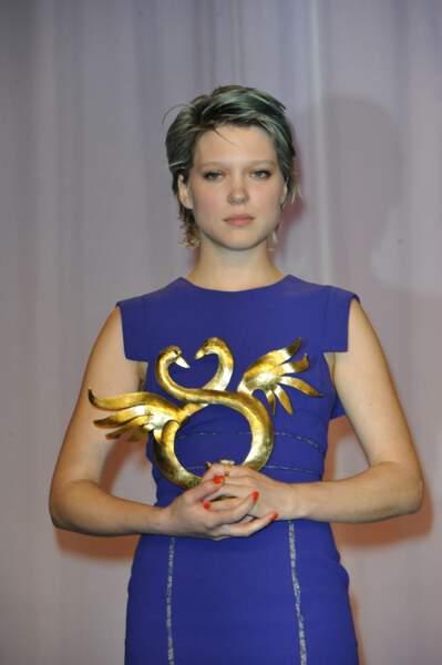 Léa Seydoux les cheveux bleus pour le film La vie d'Adèle, et la coupe courte à Cabourg en 2012