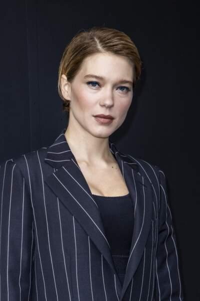 Léa Seydoux coupe tout et adopte la coupe garçonne et la coloration foncée en octobre 2020