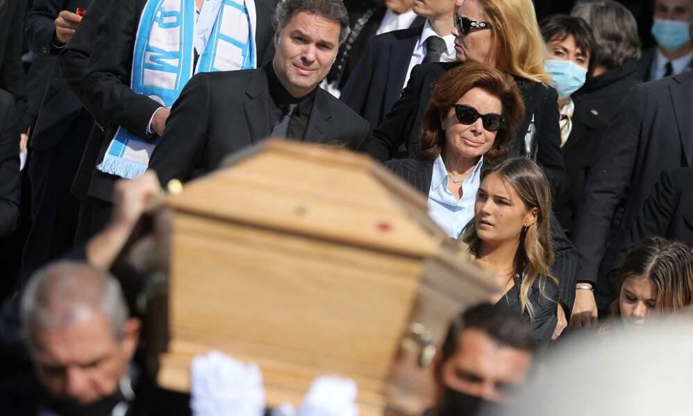 Laurent Tapie et Dominique Tapie très émus à la sortie des obsèques de Bernard Tapie, en la Cathédrale La Major, à Marseille, le 8 octobre 2021.