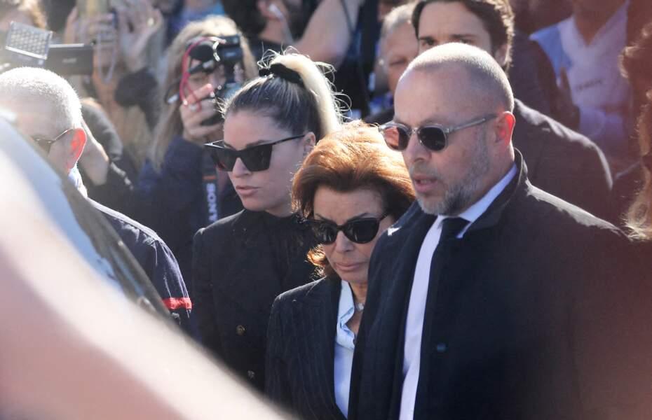 Dominique Tapie et Sophie Tapie arrivent eux obsèques de Bernard Tapie, en la cathédrale de la Major, à Marseille, le 8 octobre 2021.