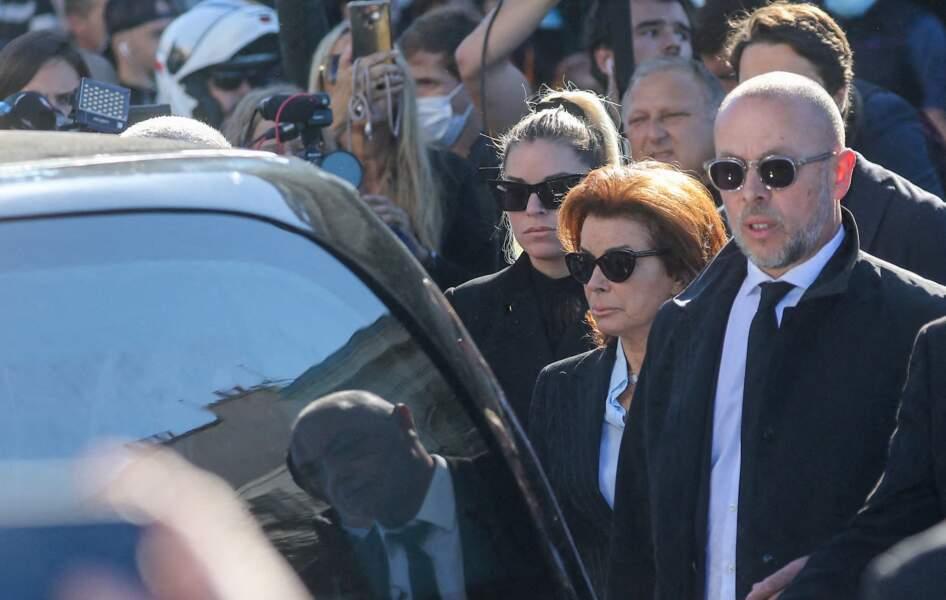 Dominique Tapie et Sophie Tapie ont fait une arrivée remarquée aux obsèques de Bernard Tapie, en la cathédrale de la Major, à Marseille, le 8 octobre 2021.