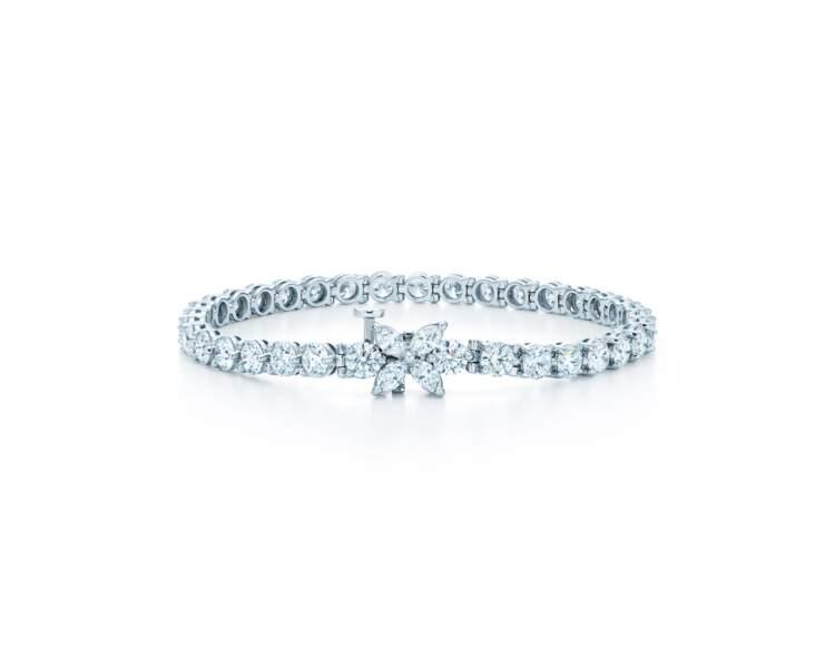 Bracelet de la collection Victoria, Tiffany & Co porté par Leïla Bekhti lors de la montée des marches des Intranquilles à Cannes 2021