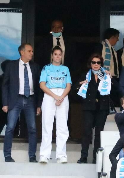 Renaud Muselier, Sophie et Dominique Tapie lors de la cérémonie d'hommage à Bernard Tapie au stade Vélodrome à Marseille, France, le 7 octobre 2021.