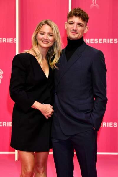 Virginie Efira et son compagnon Niels Schneider durant la seconde soirée du 4eme Canneseries au Palais des Festivals à Cannes, le 9 octobre