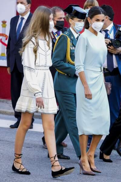 L'infante Sofia d'Espagne et la reine Letizia aussi élégantes l'une que l'autre