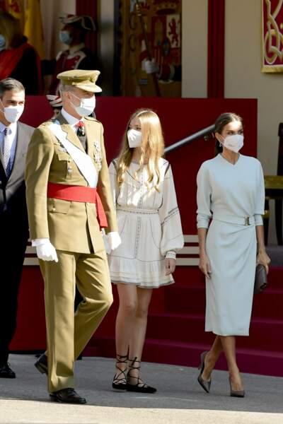 L'infante Sofia d'Espagne, seule avec ses parents felipe et letizia d'Espagne depuis que sa sœur fait ses études au pays de Galles.