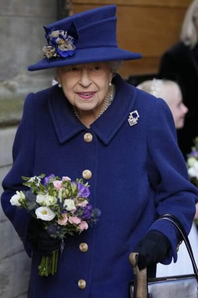 Elizabeth II à la sortie de l'abbaye de Westminster, à Londres, le 12 octobre 2021.