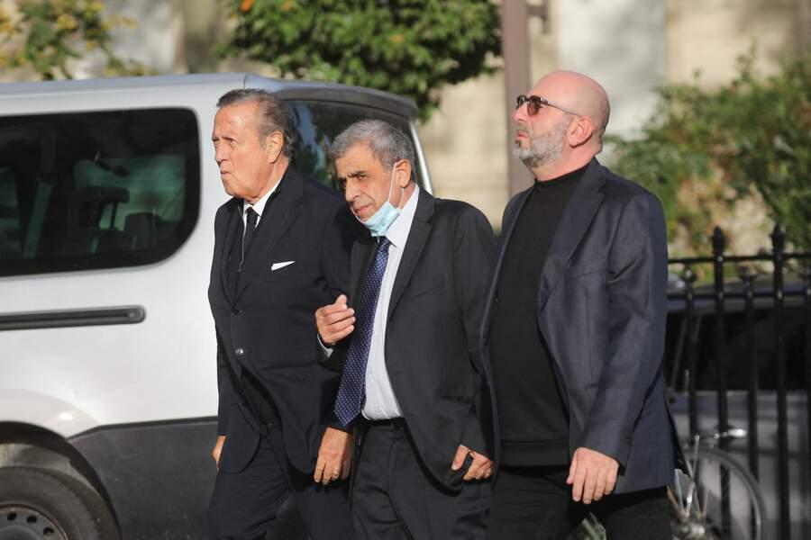 Charles Villeneuve accompagné aux obsèques d'Etienne Mougeotte en l'église Saint-François-Xavier à Paris, ce 13 octobre 2021