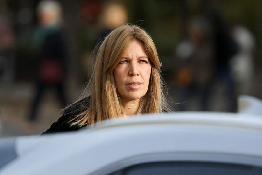 La journaliste Florence Belkacem arrive en voiture, aux obsèques d' Etienne Mougeotte en l'église Saint-François-Xavier à Paris, ce 13 octobre 2021