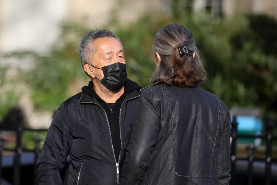 Le réalisateur Renaud Le Van Kim arrive touché aux obsèques d'Etienne Mougeotte en l'église Saint-François-Xavier à Paris, ce 13 octobre 2021